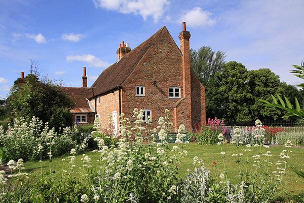 Astleham-garden-600px