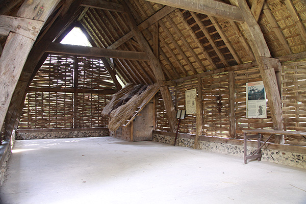 Arborfield-Barn-Interior-600px