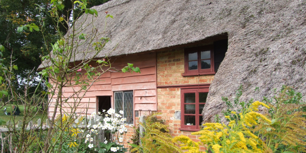 Leagrave Cottages and garden