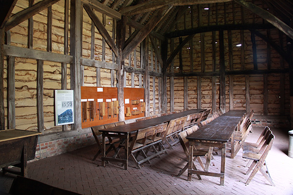 Northolt-Barn-interior-600px