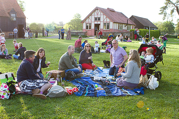 picnic-at-the-museum-600px