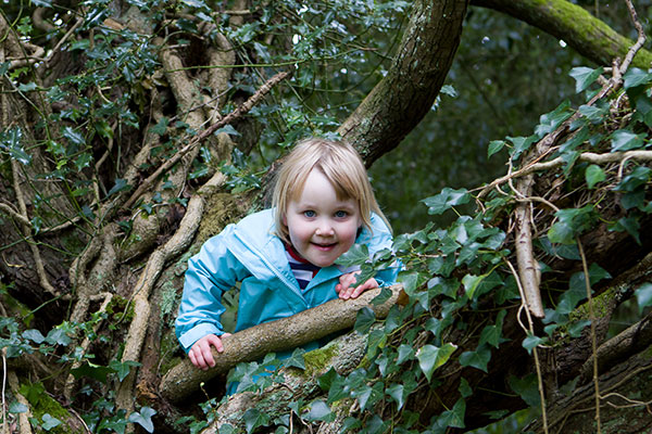 Chiltern_Open_Air_Museum_Kids_woods-600x400