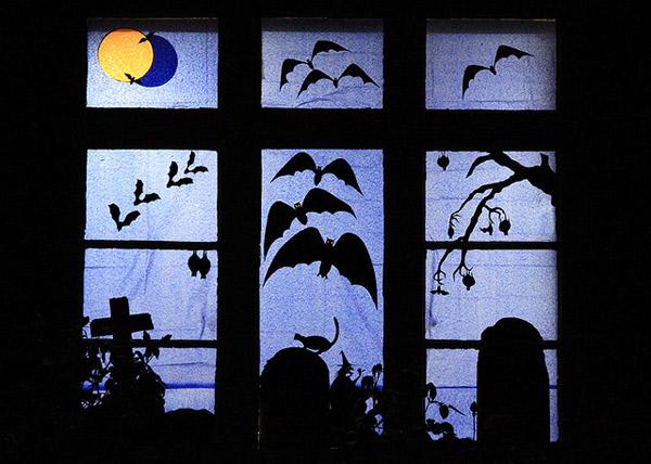 spooky halloween window
