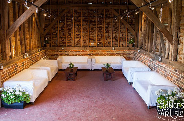 Skippings-Barn-Lounge_Weddings