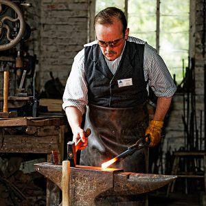 Blacksmith-experience-days-600
