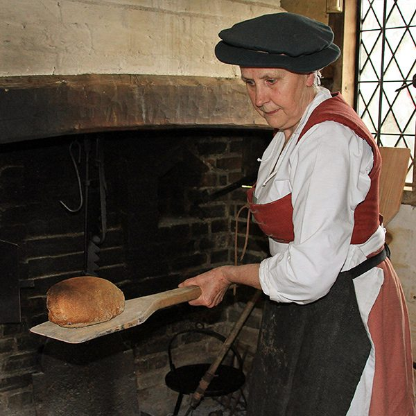 Historic-baking-experience-day-600px