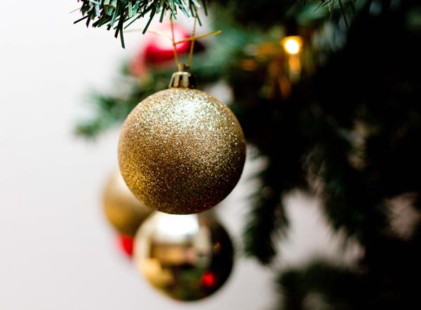 Family-Christmas-traditions-COAM-600px