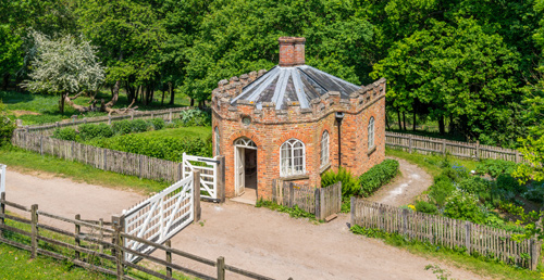 get-married-in-a-Victorian-toll-house-500px - Chiltern Open Air Museum